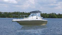 2015 - Key Largo Boats - 2300 WA Cuddy