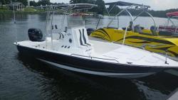 2015 Key Largo Boats 220 Bay CC