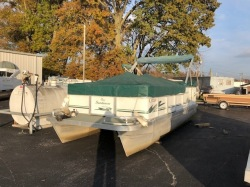 2000 - Sundancer Pontoon Boats - 200C