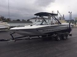 2014 - Malibu Boats CA - Wakesetter 21 VLX