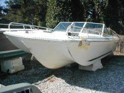 1976 Sommerset 182 Tri Hull Bowrider Mercruiser Cut Hull