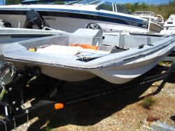 1983 Cimmaron 15ft Bass Boat