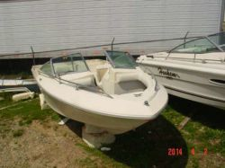 1983 Sea Ray V 197 Bowrider Mercruiser 260