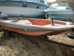 1977 Titan 15 Titan Bass Boat Outboard Hull