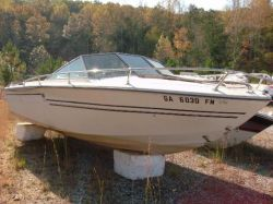 1979 Sea Ray SRV 197 Closed Bow