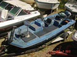 1975 Marine Mark 5 bassboat Evinrude 135