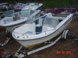 1977 Cruisers 185 Dual Console Single or twin outboard hull
