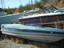 1989 Bayliner 1704 Cobra Bass Boat Outboard Hull