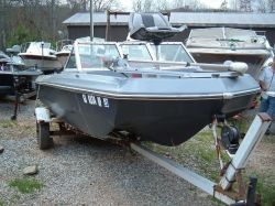 1975 17 Bowrider Fisher OB Force 90
