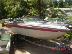 1987 Chris Craft 230 Scorpian Limited Mercruiser 330