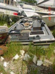 1979 Astroglass 176 Cheater SX Bass Boat OB Hull