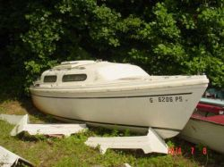 1978 Catalina Yachts 22 Catalina swing keel sailboat hull