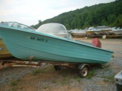 1965 Starcraft Marine 15 Runabout outboard hull