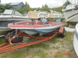 1976 160 Bass Champ Bicentenial Edition Outboard Hull