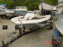 1977 Glasstream Similar to Glasstream 15 Bass Boat Hull