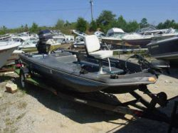 1976 Challenger Mark IV170 Fisher Outboard hull