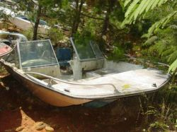 1981 170 Fisherman Dual Console Outboard Hull