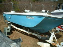 1977 Duo 16ft Center Console