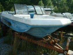 1974 17 Bowrider outboard boat hull