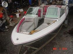 1989 190XLS Bowrider Cobra 4.3