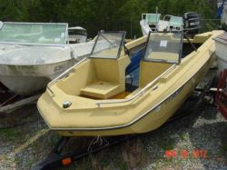 1978 MFG Boat Co. 15 Caprice Mercury 65 Short Shaft