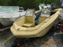 1978 MFG Boat Co. 15 Caprice Mercury 65 Short Shaft