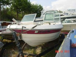 1977 185 Bowrider OMC 140 400 outdrive