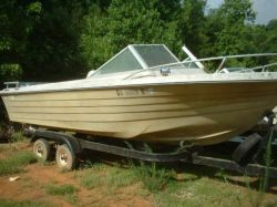1970 19 Closed Bow Runabout Mercruiser 165