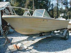 1971 18 Airslot Fisherman Twin Outboard Hull