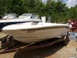 1982 18 Bowrider Mercruiser cut hull