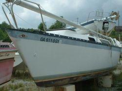 1981  Lancer 25ft Cruiser