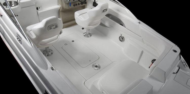 com_assets_model_cabrio_220_220_cockpitempty