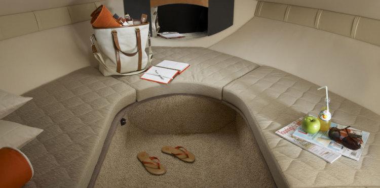 com_assets_model_cabrio_220_220_seating