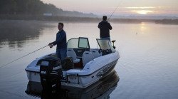 2012 - Larson Boats - FX 1850 DC