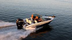 2012 - Larson Boats - FX 1750 DC