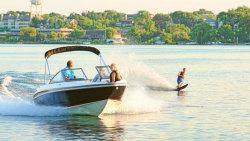 2013 - Larson Boats - LX 205S IO