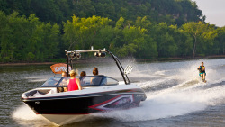 2014 - Larson Boats - LSR 2300