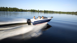 2015 - Larson Boats  - LX 180S OB