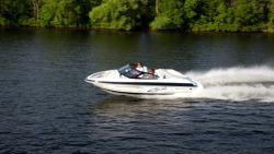 2015 - Larson Boats - LSR 2000