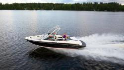2015 - Larson Boats - LX 225S IO