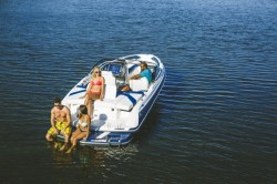 2018 - Larson Boats - LX 205 IO