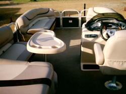 2013 - Tracker Boats - Pro Guide V-16 SC