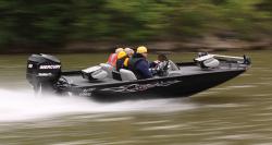 2013 - Lowe Boats - Stinger 17 HP