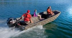 2015 - Lowe Boats - RN1756