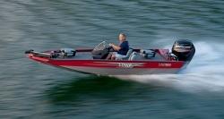 2015 - Lowe Boats - Stinger 17