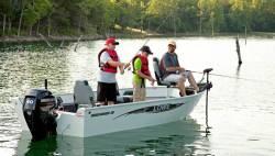 2017 - Lowe Boats - FM160T