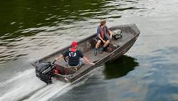 2017 - Lowe Boats - RN 17DT