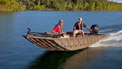 2017 - Lowe Boats - RN 18DT