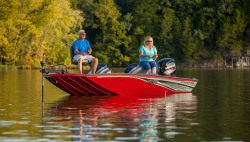 2018 - Lowe Boats - Stinger 188 Dual Console