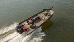 2018 - Lowe Boats - Roughneck 1660 Deluxe Tiller